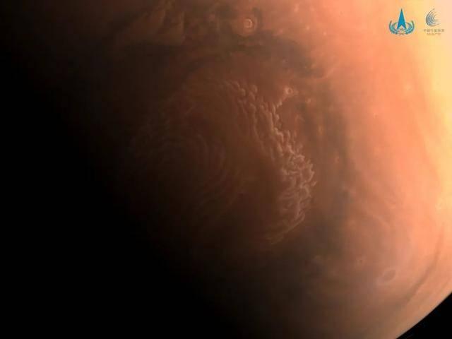 """天问一号火星图上的""""小白条""""是什么?"""